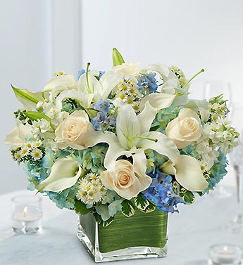 Beasleys floral and weddings cocoa beach and cincinnati blue and blue and white centerpiece package mightylinksfo
