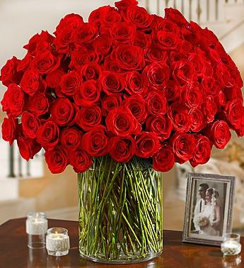 100 Premium Long Stem Red Roses in a Vase
