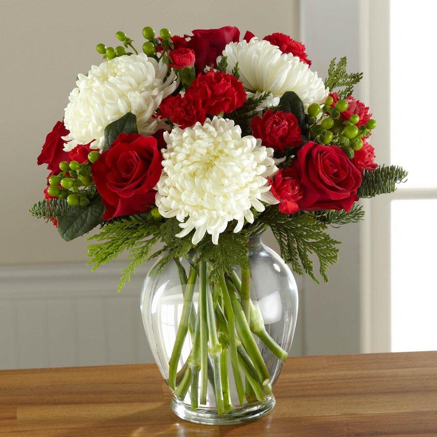 Judys Blossom Shop Roseville Ca 95678 Ftd Holiday Enchantment